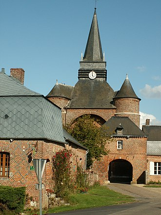 Aisne - Fortified church of Parfondeval
