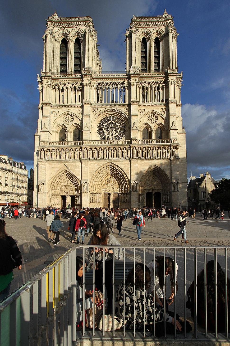 Paris-Notre Dame-110-Westfassade-2017-gje