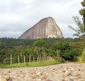 Pedra marta rocha (cropped).jpg