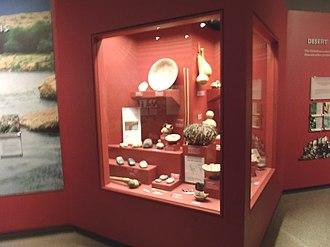 Pueblo Grande Ruin and Irrigation Sites - Image: Phoenix Pueblo Grande Ruin Museum artifacts display