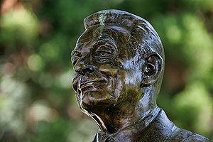 Jean-Pascal Delamuraz - A statue of Delamuraz in Lausanne.
