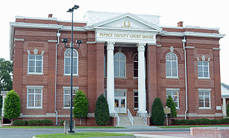Pierce County, Georgia - Image: Pierce County Courthouse, Blackshear, GA, US