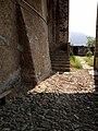 Pieve di Santa Maria in Doblazio, acciottolato antico.jpg
