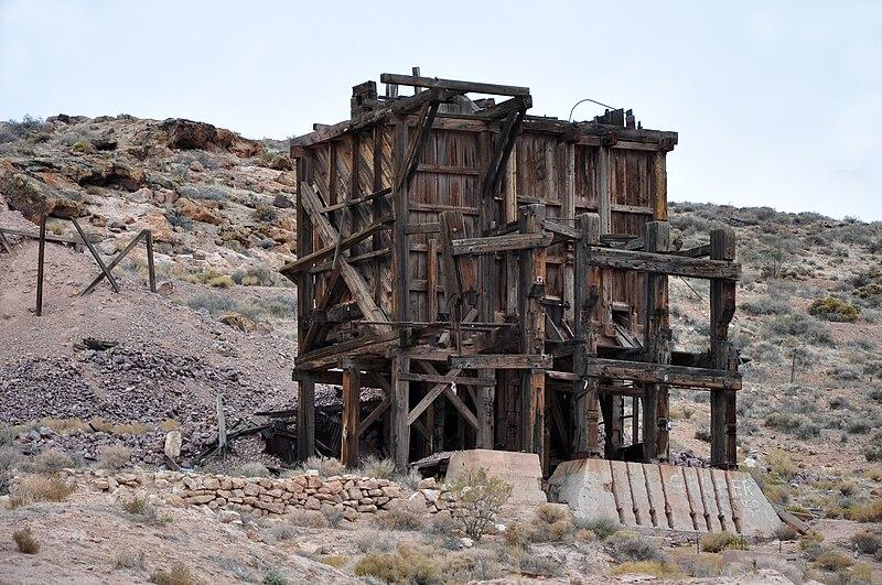 File:Pioneer (ghost town) ruins.jpg