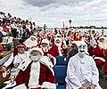 Pjerrot og julemænd sejler.jpg