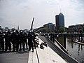 Police-chain during G20 summit in Hamburg 04.jpg