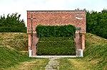 Pomnik ofiar lotu PLL LOT 007 Mikołaj Kopernik Fort Okęcie.jpg