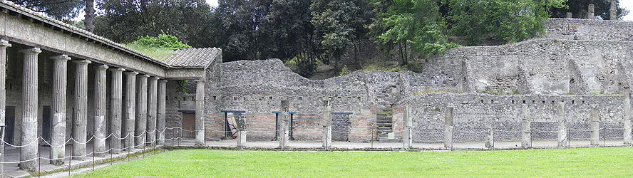 Pompeii gladiator barracks 2.jpg