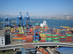Port of valparaiso (3049864390).jpg