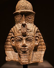 Portrait head of pharaoh Amenhotep III with nemes and double crown 01.jpg