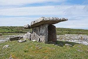 Poulnabrone dolmen 01.jpg