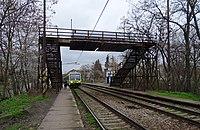 Praha-Strašnice zastávka, vlak Arriva.jpg