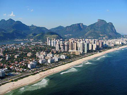 Barra da Tijuca with Pedra da Gavea at background Praia da Barra e Montanhas do Parque Nacional da Tijuca.jpg