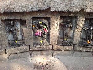 Chausathi Jogini Temple - Image: Prayer offered at Yogini Temple