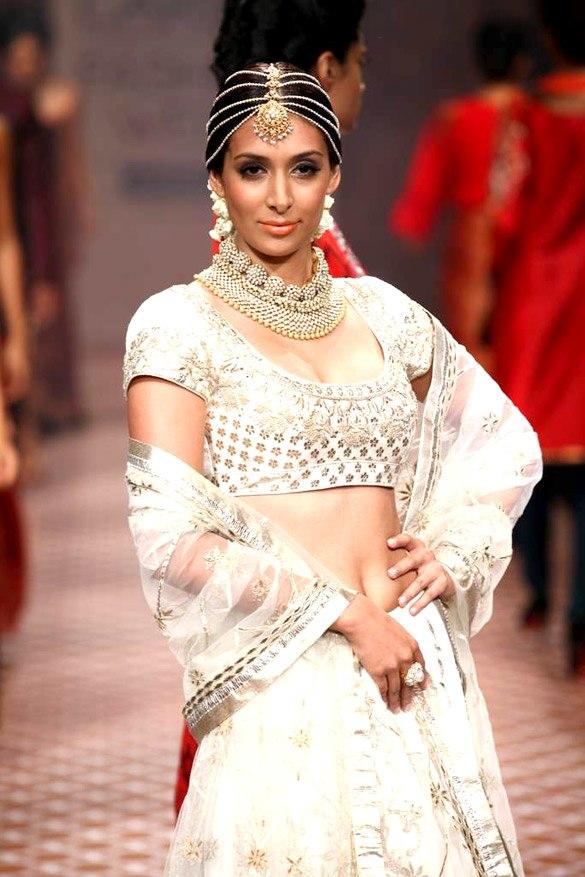 Preeti Desai at LFW12.jpg