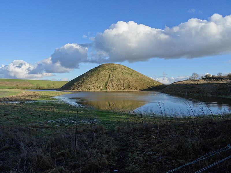 File:Prehistoric Silbury Hill, Wiltshire.JPG