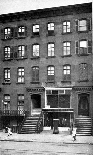 Stoop (architecture) - Two row houses with stoops