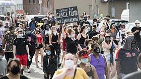 Manifestation contre les violences policières à Minneapolis le 26 mai 2020, au lendemain de la mort de George Floyd.