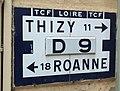 Régny - Plaque kilométrique TCF D9.jpg
