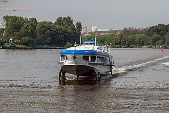 Moscow Canal - Image: Raketa 185 on Khimki Reservoir 6 jun 2014 01