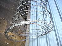 Barbed tape - Wikipedia