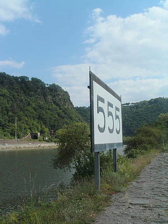 The 555 km marker, downstream from the Lorelei Rheinkilometer Loreley.JPG