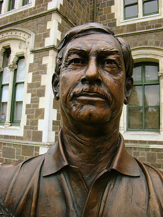 Richard Hadlee - A bust of Hadlee at the Twelve Local Heroes display, Christchurch.