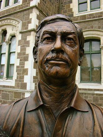 Richard Hadlee - A bust of Hadlee at the Twelve Local Heroes display, Christchurch.