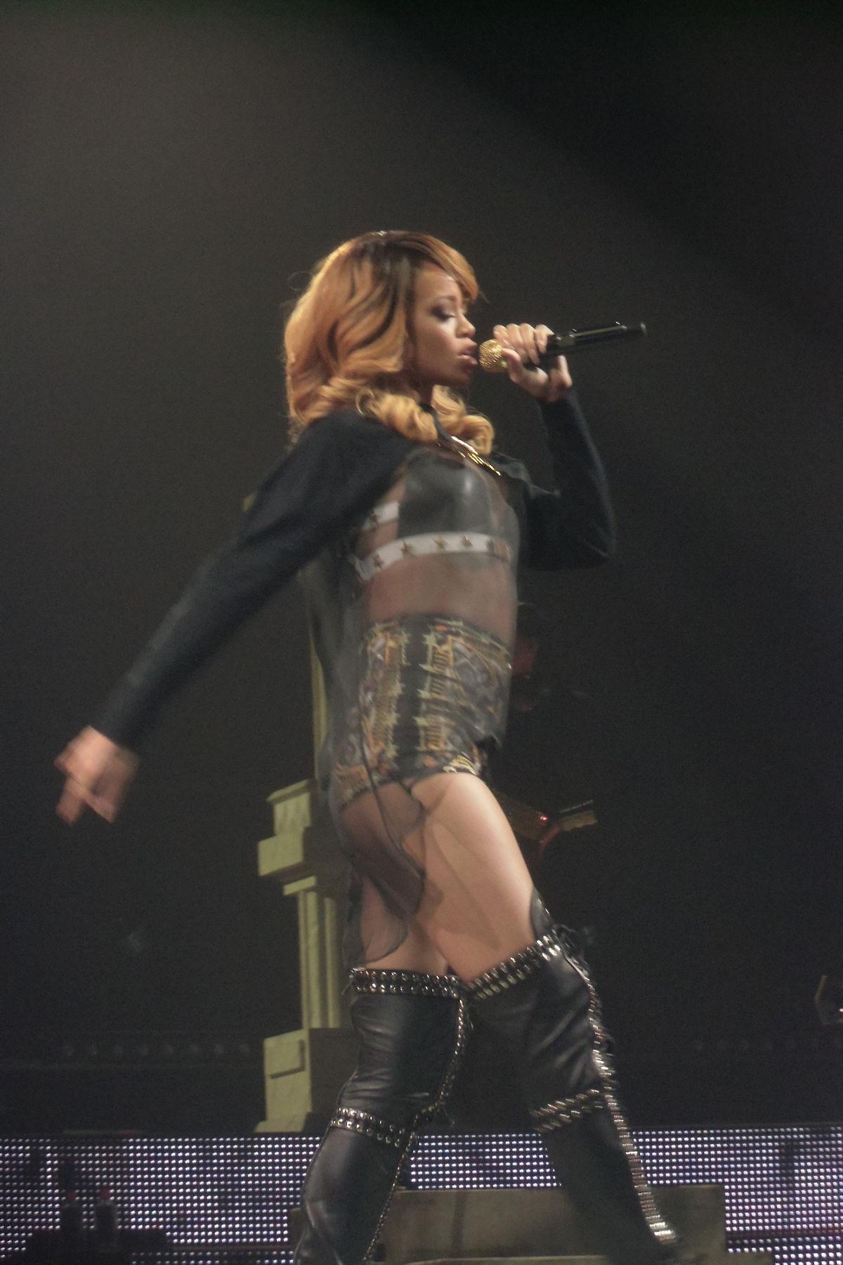 Rihanna/Musikvideos �... Rihanna Diamonds