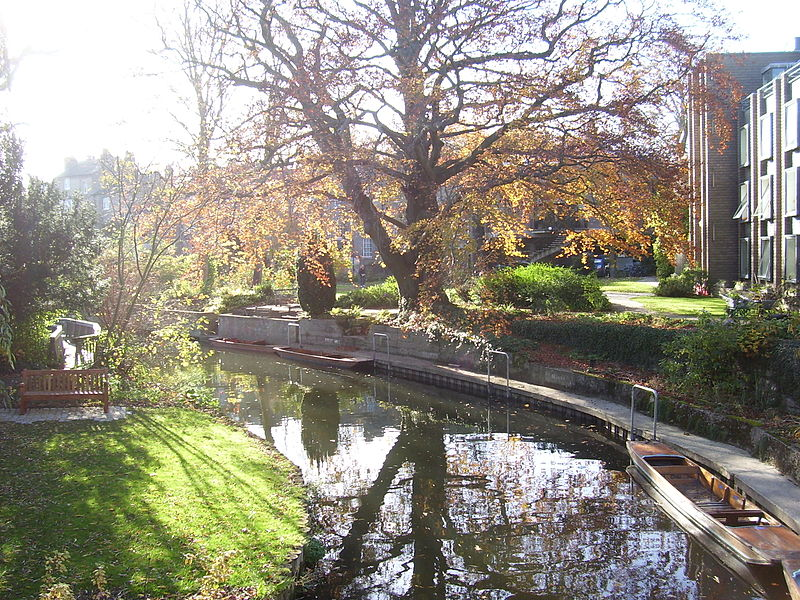 File:River Cam running through Darwin College, Cambridge.JPG