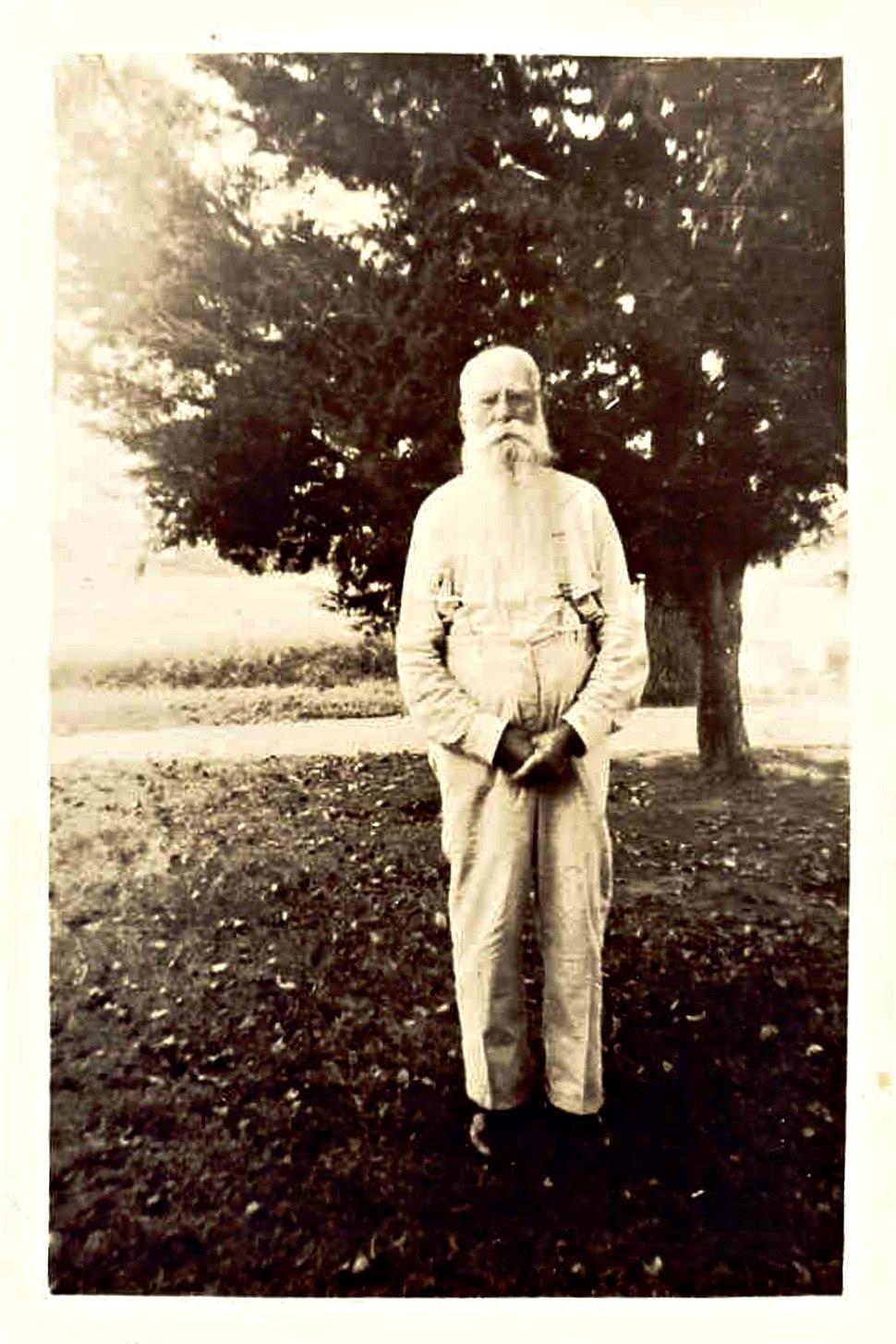 Robert Hodgen LaRue, Jr.