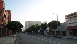 English: Robertson Boulevard in Beverly Hills,...