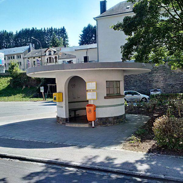 """Aubette à l'arrêt de bus """"Gare"""" à Rombach-Martelange"""