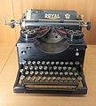 Royal typewriter - CnAM 32135.jpg