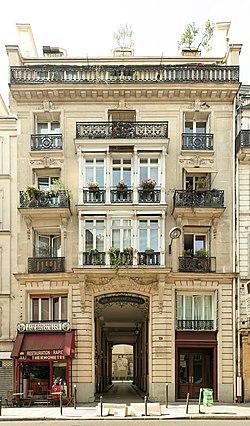 Rue Ambroise-Thomas (Paris), porche 57 rue du Faubourg-Poissonnière (Paris).jpg