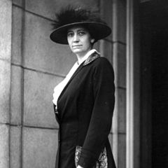 Portrait of Ruth Hanna McCormick in 1920, wearing a coat and hat