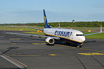 Ryanair, EI-ESP, Boeing 737-8AS (18502054435).jpg