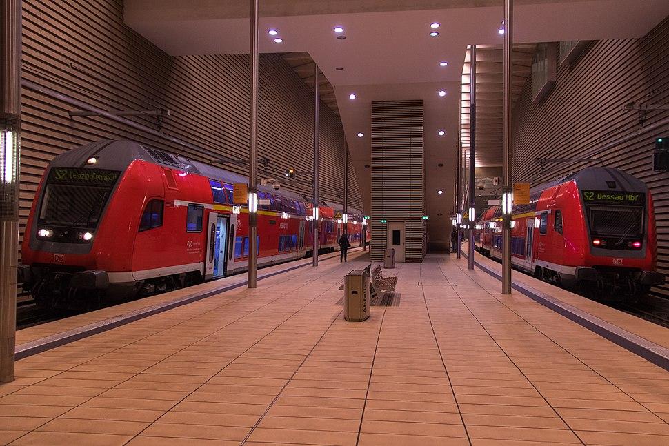 S-Bahn - City-Tunnel Leipzig mit BR 182 und Doppelstockwagen (HP Markt)
