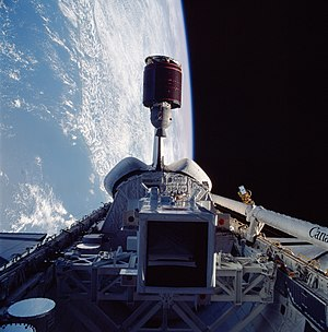 STS-51-G - Image: STS 51 G Telstar 3 D deployment