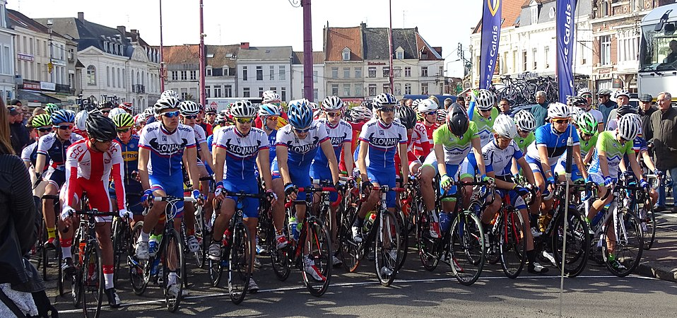 Saint-Amand-les-Eaux - Paris-Roubaix juniors, 12 avril 2015, départ (A91).JPG