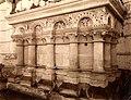 Saint-Germer-de-Fly (60), abbatiale, chapelle rayonnante sud, autel roman, par Félix Martin-Sabon, début XXe siècle.jpg