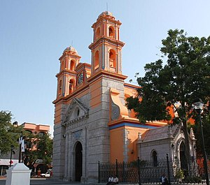 Saint Francis of Assisi Church, Iguala de la Independencia, Guerrero, Mexico 01.jpg