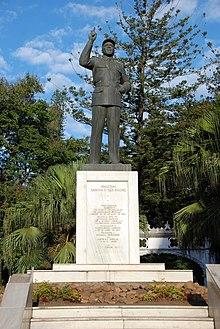 Samora Machel Statue.jpg