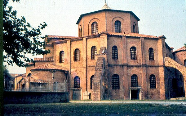 The Basilica of San Vitale in Ravenna combines Western and Byzantine elements. San Vitale Ravenna.jpg