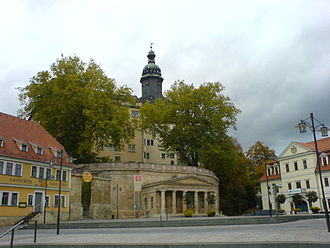 """Sondershausen - marketplace with """"Alte Wache"""" and castle"""