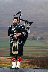 Scottish piper.jpg