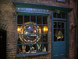 Warner Bros. Studio Tour London - The Making of Harry Potter - Scribbulus shop, Diagon Alley