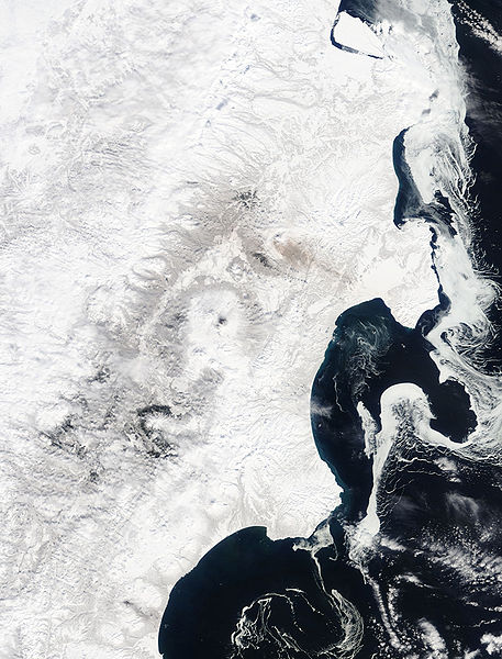 File:Sea Ice Imitates the Shoreline along the Kamchatka Peninsula.jpg