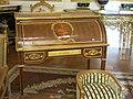 Secrétaire à cylindre de Marie-Antoinette (Louvre, OA 5226).jpg