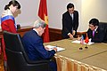 Secretary Kerry, Vietnamese Foreign Minister Minh Sign Agreement (10184891176).jpg